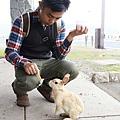 05_餵兔兔.jpg
