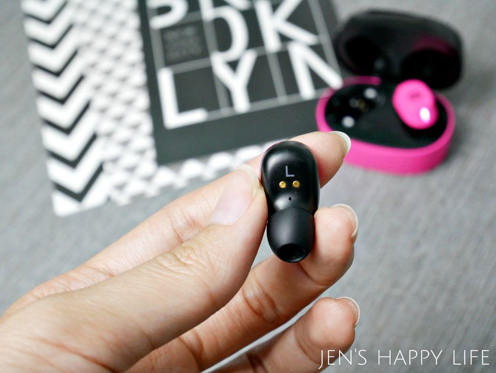 輕量設計真無線藍芽耳機P1070252.JPG