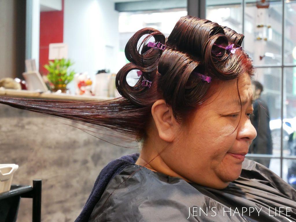 Wor髮廊.永和染髮推薦P1080387.JPG