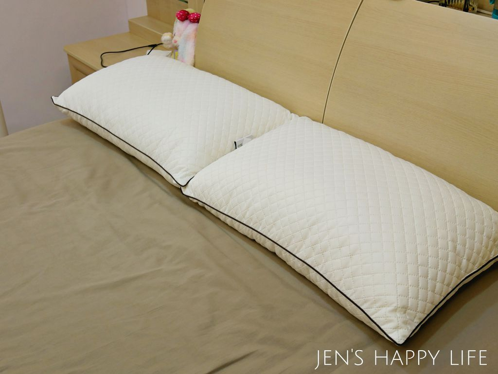 德瑞克名床-枕頭P1120217.JPG