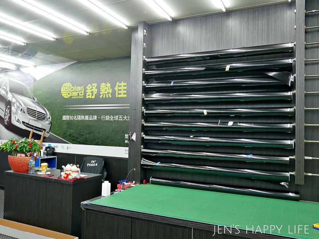 台北內湖聖唯汽車隔熱紙P1120620.JPG