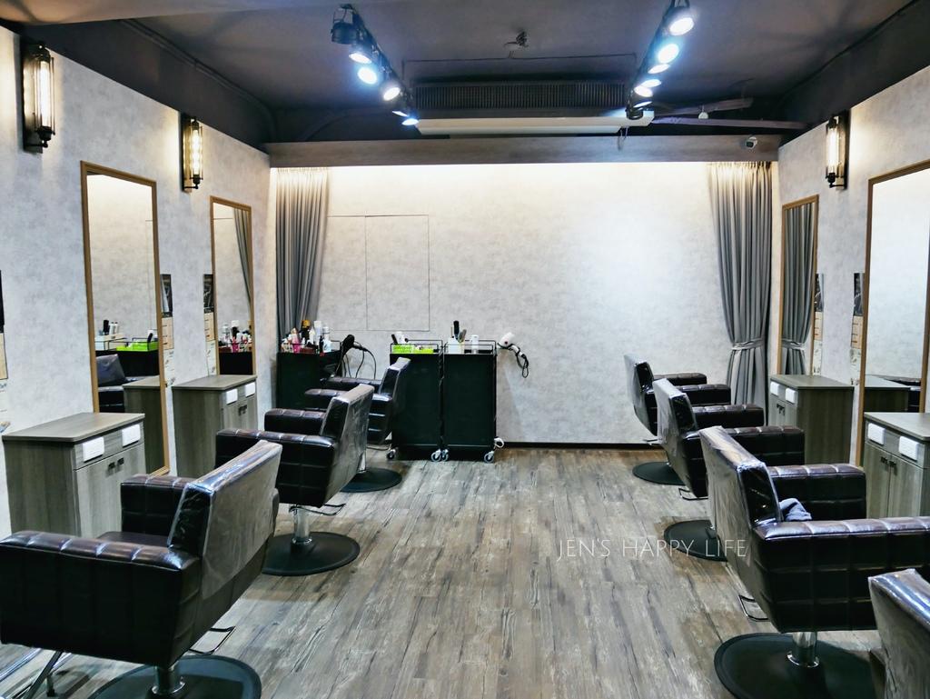 板橋美髮七大界髮廊染髮燙髮護髮按摩spaP1110394.JPG