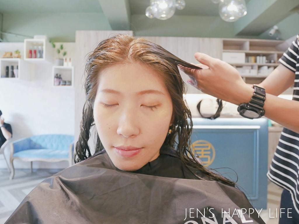 居髮廊,中和染髮護髮,中和剪髮P1120862.JPG
