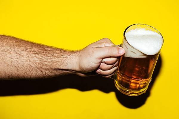 hold my beer 2.jpg