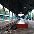 Stasiun Gubeng的月台