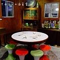 大圓桌與復古椅