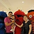 蕎與Elmo.jpg