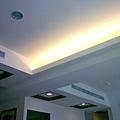 天花板間接照明