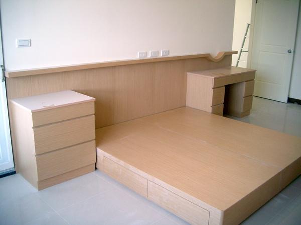 主臥床座及床頭櫃