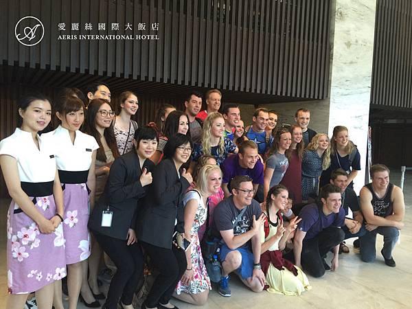 美國Synergy百老匯歌舞合唱團1.jpg