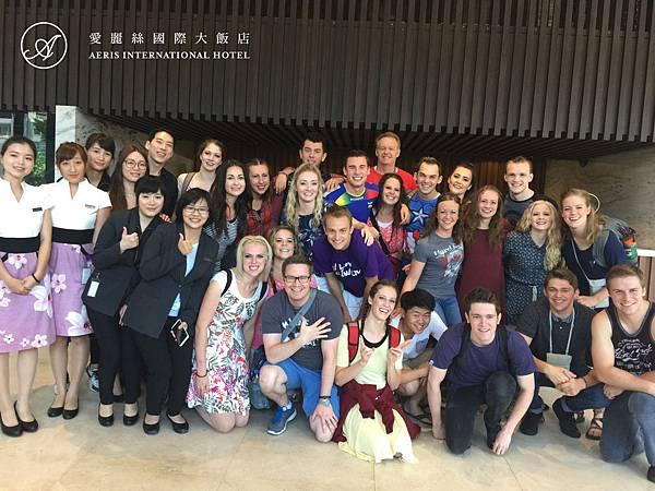 美國Synergy百老匯歌舞合唱團2.jpg
