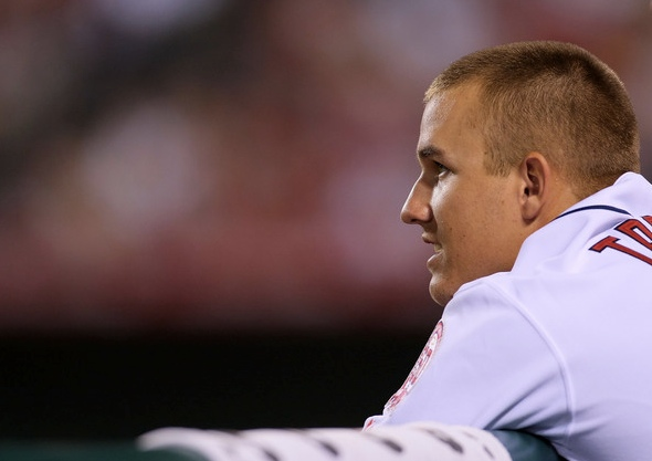 Mike Trout Photos - Seattle Mariners v Los Angeles Angels of Anaheim - Zimbio 2012-09-25 01-07-48