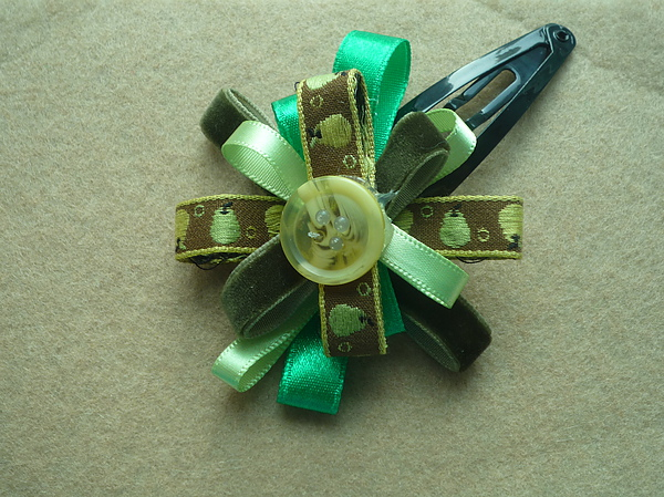 Green Ribbon Flower Clip.JPG