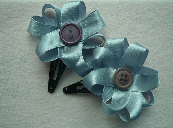Blue Ribbon Flower Clips.JPG