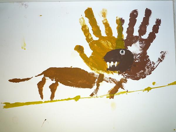 Hand Print Frilled Lizzard.JPG