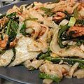 鮭魚炒河粉