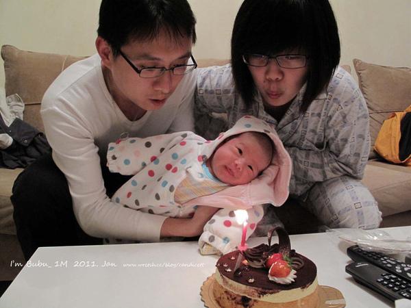 吹蠟燭,可不是一歲唷!