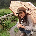 老媽的可愛小花傘跟我一點都不搭