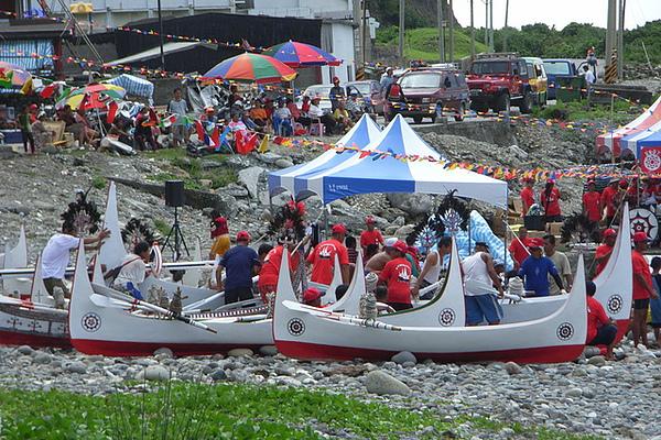 朗島村的拼板舟活動