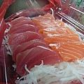 布袋觀光漁市現切生魚片
