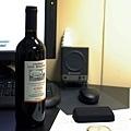 逼皆送來的紅酒