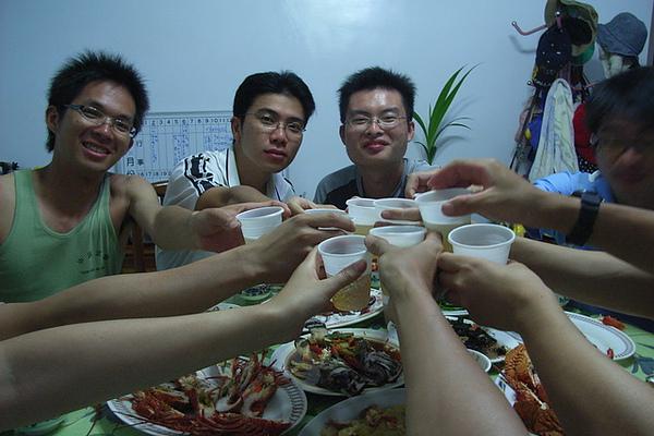 風味餐一起乾杯