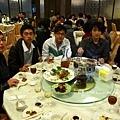 家族聚餐之年輕人