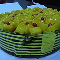 好多好多好吃芒果的大蛋糕