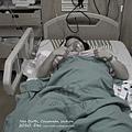 催了兩天半,人工破水近12小時,準備推去剖腹產