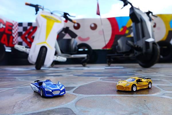 賽車和金車