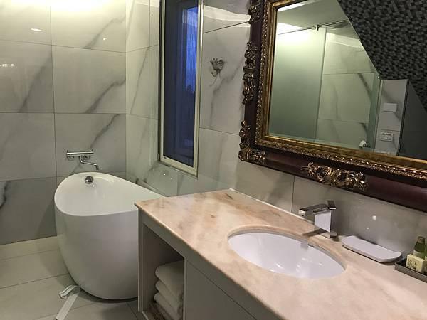 路易十三-浴室.JPG