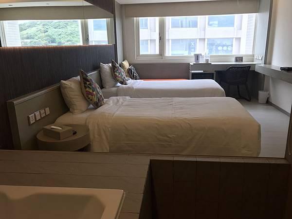 雙人房2小床.jpg