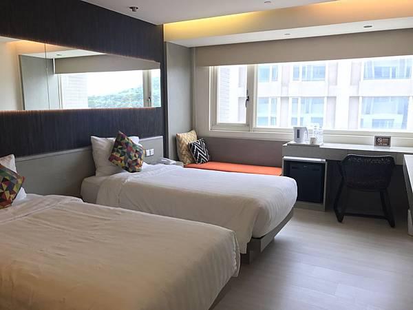 雙人房2小床1.jpg