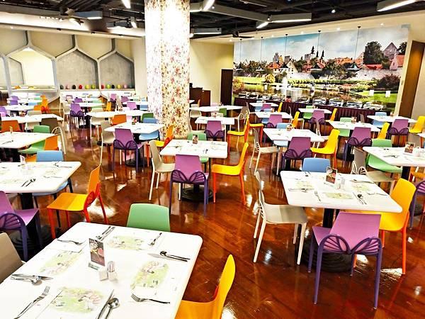 2018全新早餐菜色及莊園餐廳新桌椅_180911_0008