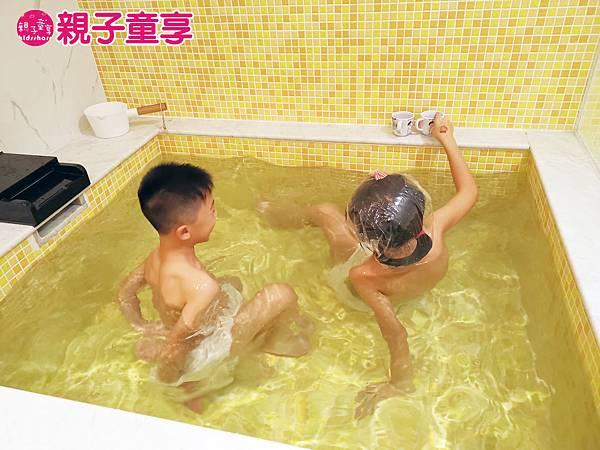 2-9雙寶泡湯池.jpg