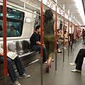 15-東涌線地鐵內
