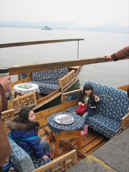 西湖船上照01.jpg