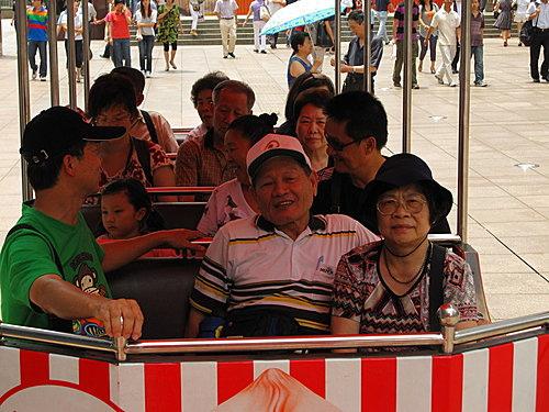 上海南京路噹噹車.jpg