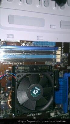 呼呼的電腦組裝記-15.jpg
