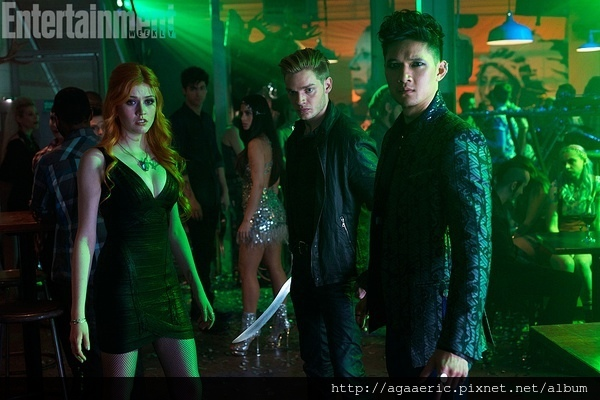 SHADOWHUNTERS-2.jpg