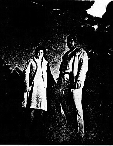 希爾夫婦站在他們發現UFO的地方