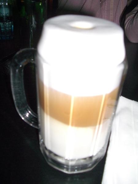 我的拿鐵咖啡,奶泡超多,份量十足