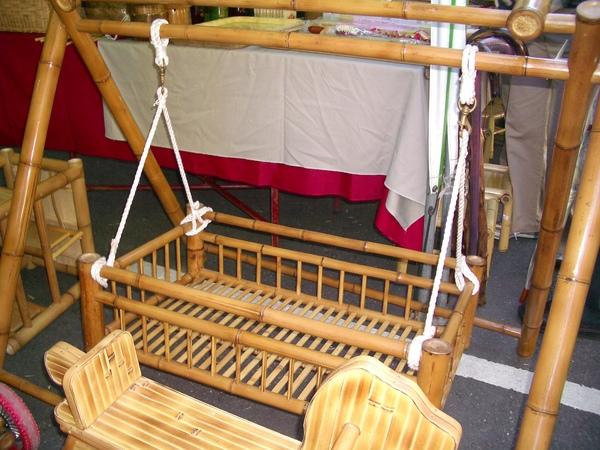 竹編的搖籃(重一點的小孩會不會陷下去?)