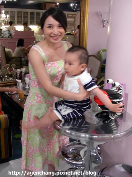 辣媽Lulu和帥兒子小金剛