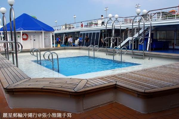 九樓甲板的兒童泳池