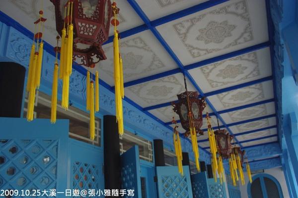 陵寢外的宮燈
