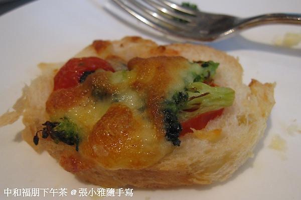 簡單卻美味的料理-番茄+花椰菜+起士
