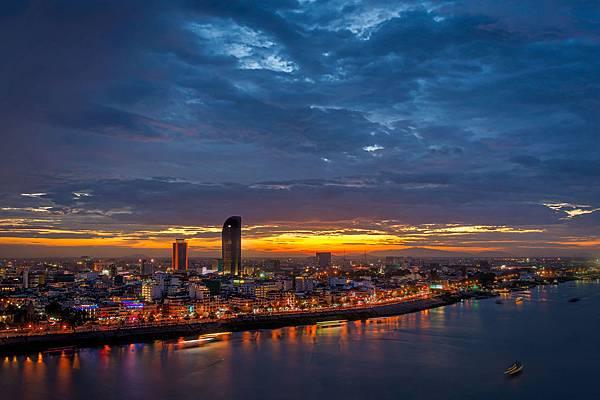 sunset-phnom-penh