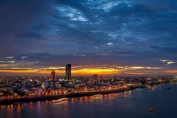 sunset-phnom-penh