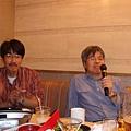 柴田先生沉醉在自己歌聲裡